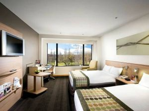 Crowne Plaza Canberra - New South Wales Tourism