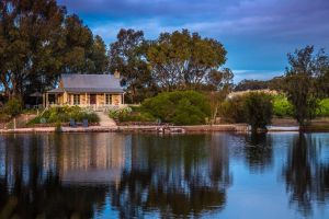 Stonewell Cottages and Vineyards - New South Wales Tourism